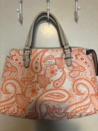 GUESS Paisley Purse London, N5Y 4L7
