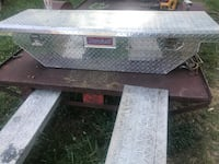 Aluminum truck tool box fit any small truck with key. ( sale or trade) Toccoa, 30577