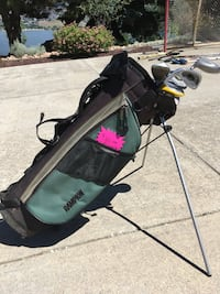 Left handed JUNIOR golf clubs & golf bag 3479 km