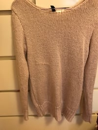 H&M small size  sweater brand new Vancouver, V5R 5E3