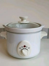 Small slow cooker Mississauga, L5B 3R2