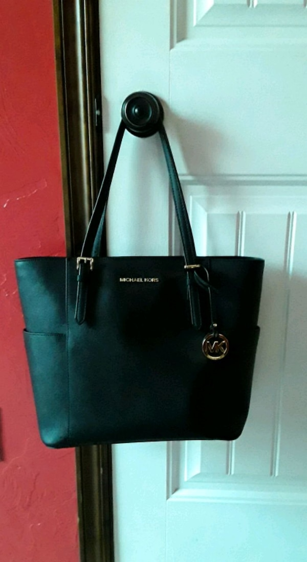 Large Black Michael Kors Tote Price is firm (will trade)