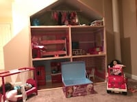 American Girl Doll and accessories! 32 mi