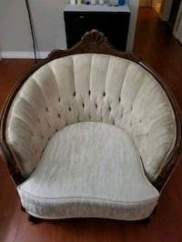 *moving sale* Antique Couches Set - used Mississauga, L5N
