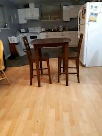 Tall table with 2 chairs  Surrey, V3S 8T9