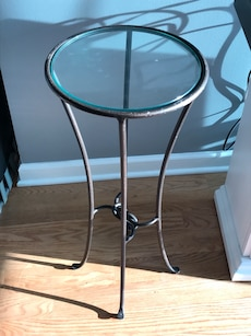 """12"""" glass top round side table"""