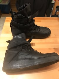 Nike Air Force 1 Special Fields | (Size 9) | CASH ONLY Edmonton, T5A 1H8