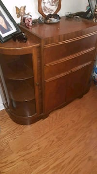 brown wooden 3-drawer chest Newmarket, L3Y 8G9