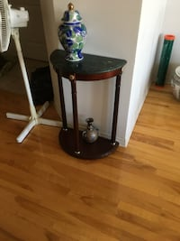 black and brown wooden side table Boisbriand, J7H