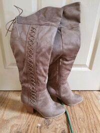 Knee high suede boots Chichester, 03258