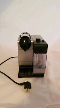 DeLonghi espresso maker with pods Montclair, 22025