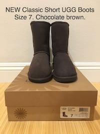 NEW Classic Short UGG Boots. Size 7. Chocolate.  Los Angeles, 90025