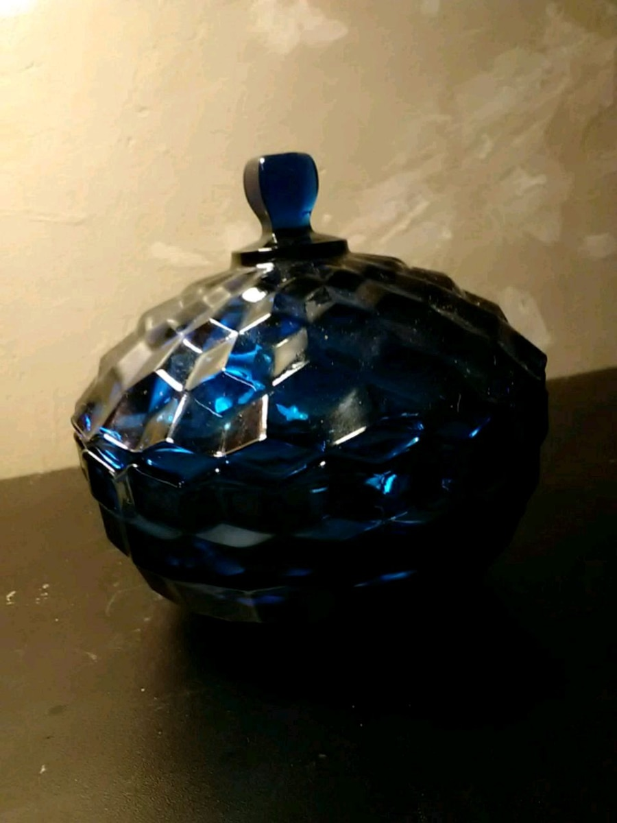 Photo Vintage Indiana Glass Whitehall Pattern Cobalt Candy Dish w/lid