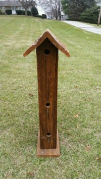 Rustic bird house (new)