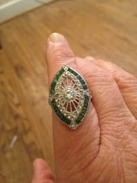 Trendy Emerald Sterling Silver Ring Size 8 Arlington, 22203