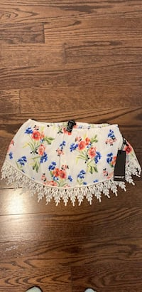 Forever 21 tube crop top. Size small. New  Côte-Saint-Luc, H4W