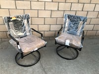 2 patio dining swivel chairs Cathedral City, 92234
