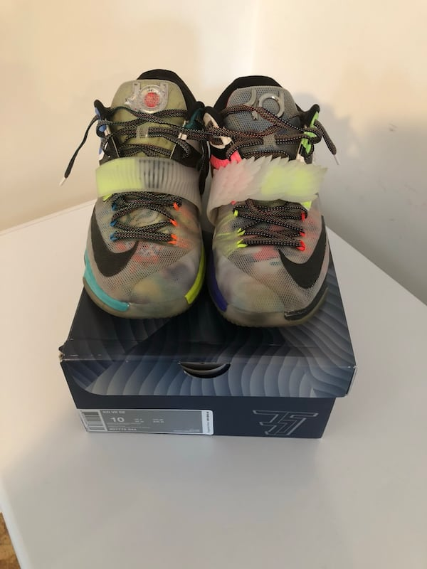 """KD 7 Limited Edition """"what the"""" size 10 328a15bc-a4b3-4dd6-b372-77fea4610e50"""