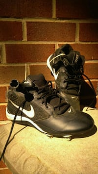 Nike alpha speed boys football cleats size 8  West Chester, 19380