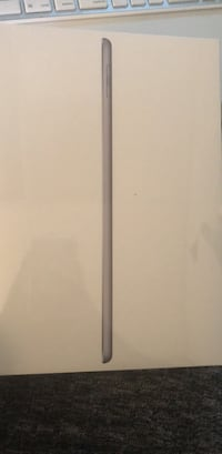 iPad 6th generation WiFi 128GB / in box Los Angeles
