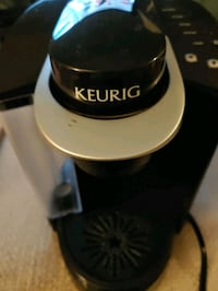 Keurig Coffee Maker Model K40 Authentic Single Cup K Cup Brewing Syste