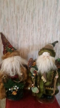 2 Santa Claus Christmas Decorations