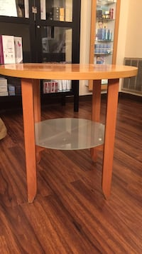 Modern Wooden and glass end table Boston, 02111