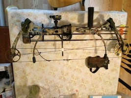 Left handed Bear Strike compound bow