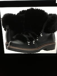 Lady's black ankle boots size 9 excellent condition only worn one time Oakville, L6K 1Y8