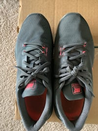 Nike womens shoes size 8.5 walking/training