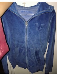 True religion sweater worn twice Laval, H7M 2T2