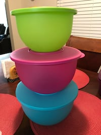 Green pink and blue plastic bowls with lid Hesperia, 92345
