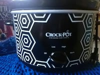 black and white Crock-Pot slow cooker