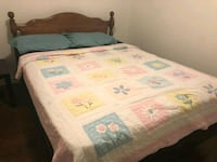 Queen size bed Newmarket, L3Y 9E3