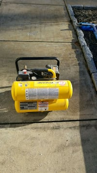 yellow and black air compressor Hanson, 02341