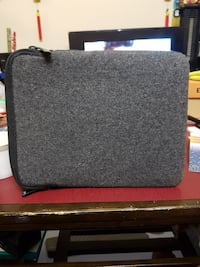 gray and black laptop sleeve Vancouver, V5M 3X7