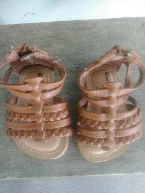 check out c5f13 f5fee Baby girl sandals size 2