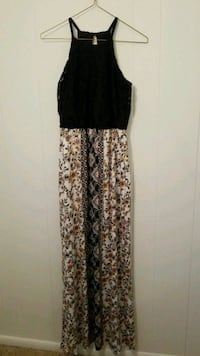 Black/floral print sleeveless maxi dress Fort Stewart, 31315