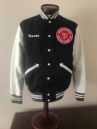 ROOTS Wayne Gretzky 99 Fanstasy Camp X111 Varsity Jacket w/Leather Sleeves RARE!  Mens Size XL  Very rare and collectible jacket. MADE IN CANADA.  Sleeves 100% Leather, Body is 100% nylon and Lining is 100% viscose.  Smoke and pet free home. Well taken ca