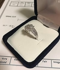 White gold and diamond ring size 6 Toronto, M6B 1A7
