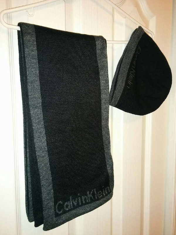 Used Calvin Klein scarf and tuque set for sale in Toronto - letgo 322a3bee54fdc