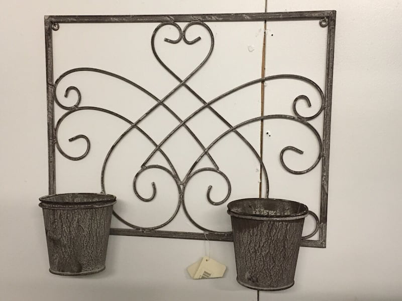 New Wall hanging metal new Planters  Just add tou fav plants 3a588614-a055-40a9-bb21-b02d1882a9fe