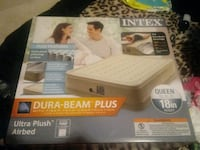 Queen air bed plush with bulit in pump South Bend, 46613