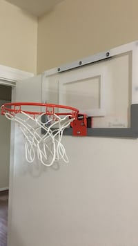White and red basketball hoop Reston, 20191