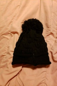 women's black knit cap Calgary, T2E 2K5