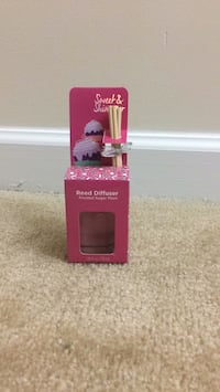 Reed Diffuser- Frosted Sugar Plum 39 km