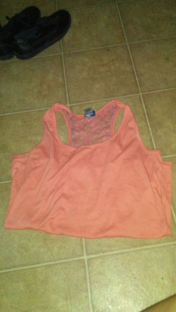 pink scoop-neck sleeveless top