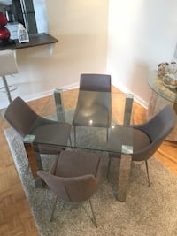 Square glass dinning table with four chairs Montreal, H3G