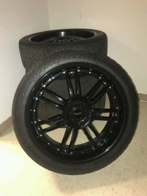 24in black rims  82c0a721-237f-4a85-bf74-c08084b3014f