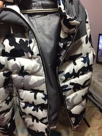 black and white camouflage zip-up bubble jacket